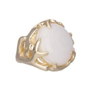 Kendra Scott Shannon Cocktail Ring in White Pearl